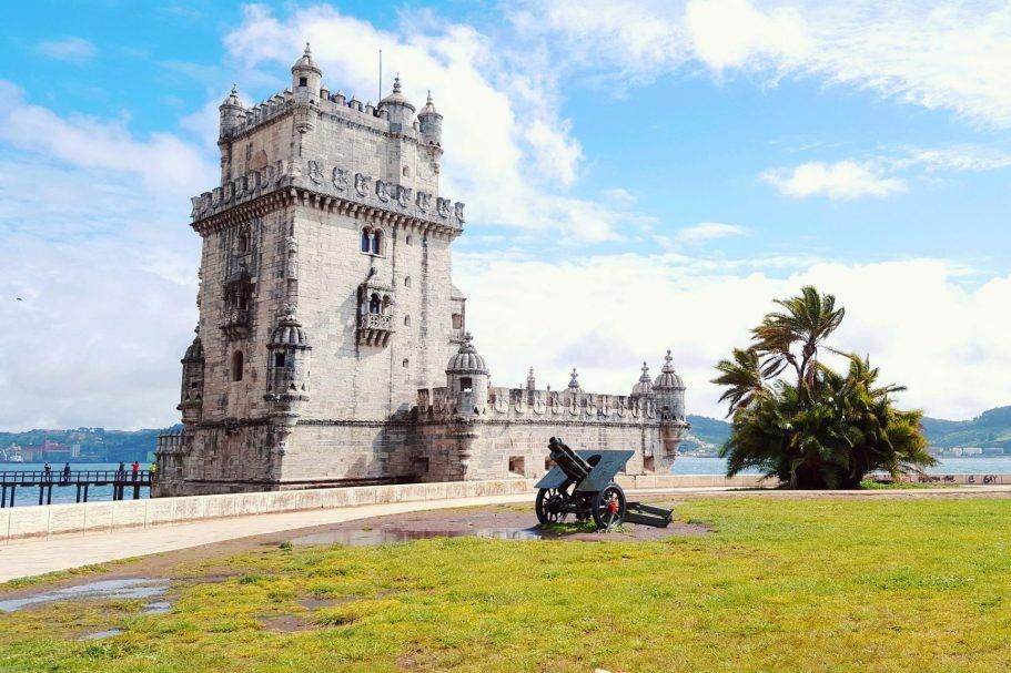 obiective turistice din Lisabona, turnul Belem si un tun