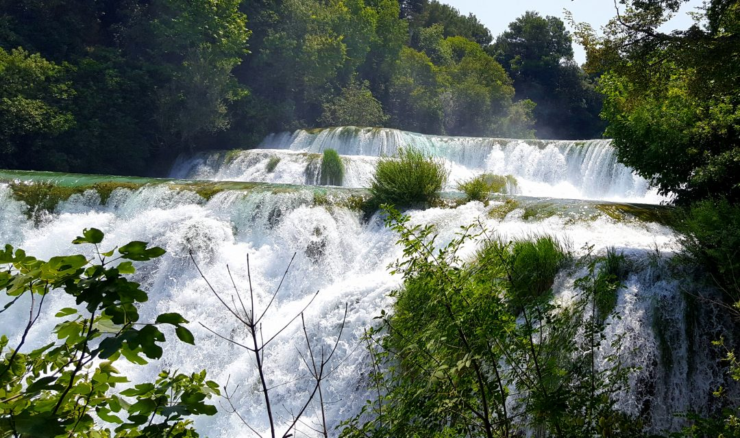 cascade in parcul national krka