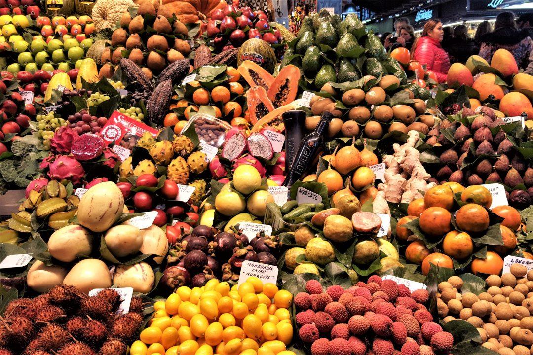 Piața La Boqueria din Barcelona-fructe exotice