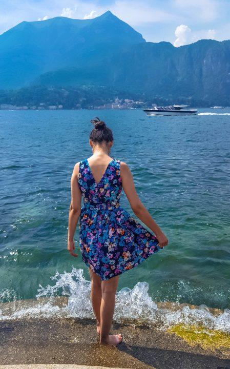 lacul como,rochie albastra