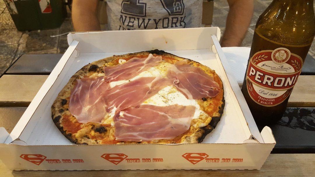 pizza și bere în Bari