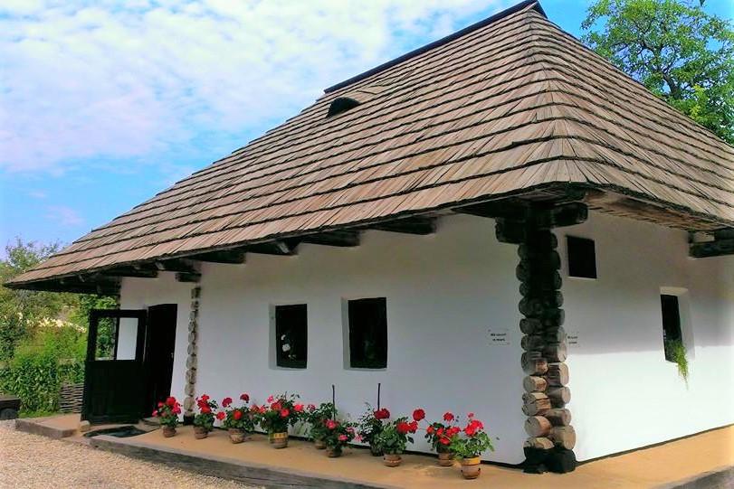targu-neamt-obiective-turistice casa memoriala