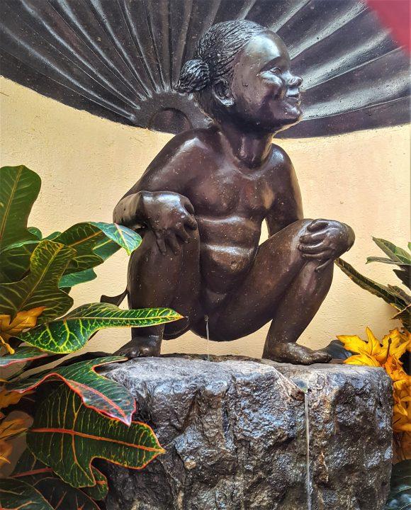 statuia din bruxelles-fata