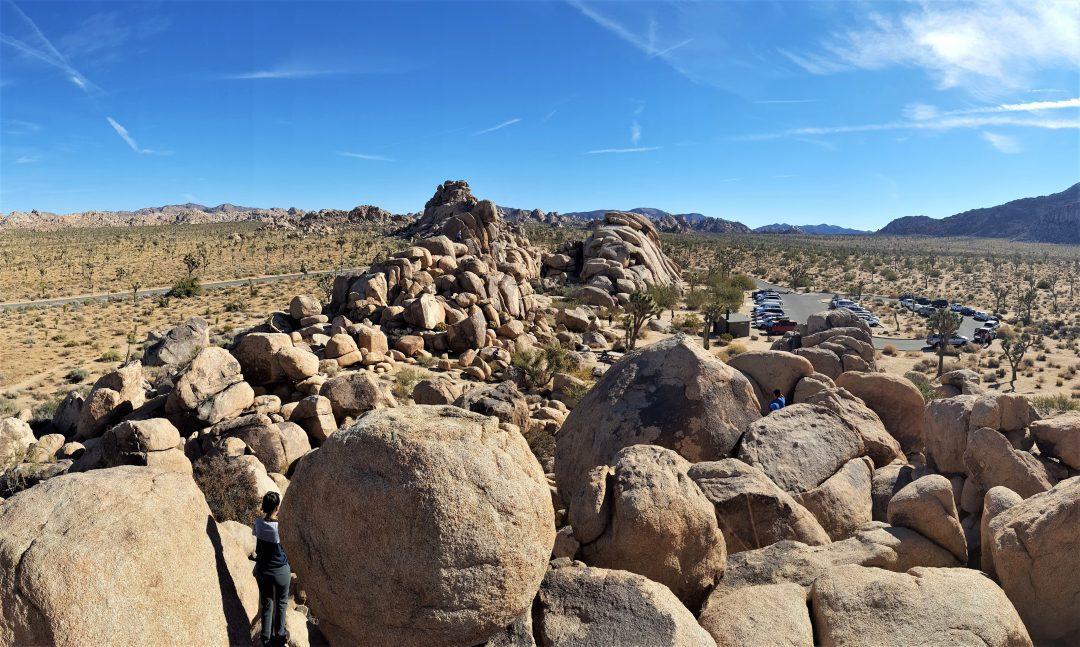 pietre, cer albastru, desert