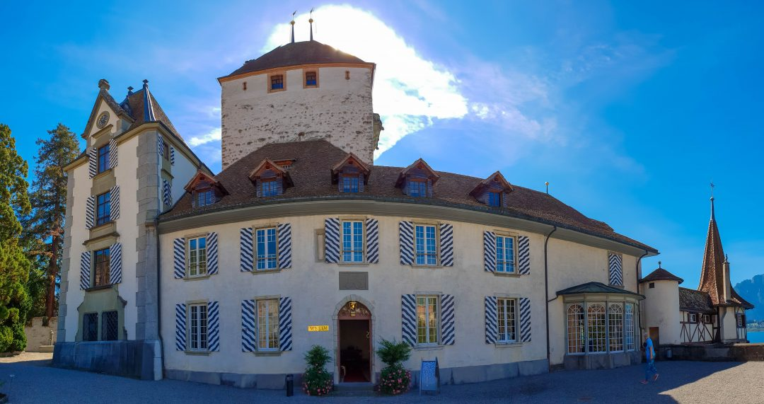 castelul oberhofen exterior