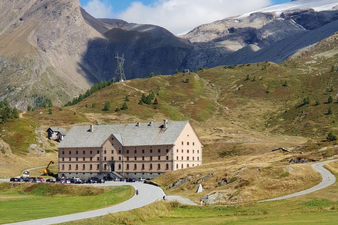hotel in simplon pass