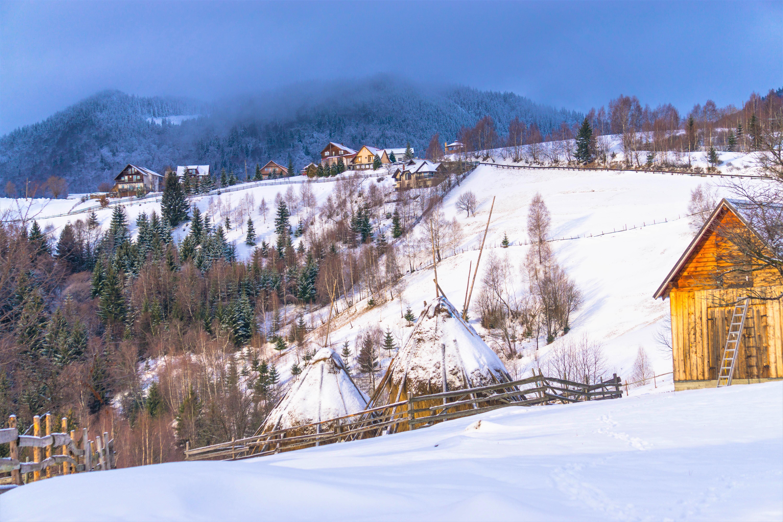 satul-pestera-iarna-2